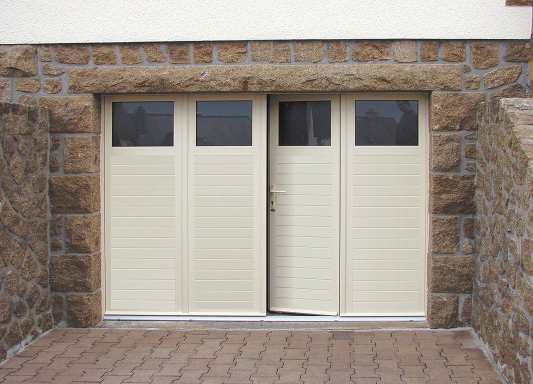 Portes de garage for Portail garage sectionnel avec porte